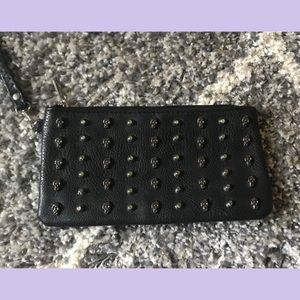 Handbags - ✨Skull Wristlet✨